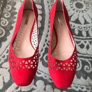 Tahari - NWOT Red Patterned Flats